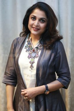 Ramya Krishnan Beautiful HD Photoshoot Stills (1080p)