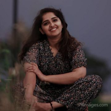 Sanusha Santhosh HD Wallpapers (Desktop Background / Android / iPhone) (1080p, 4k)