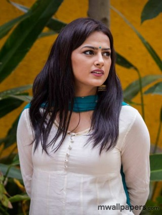 Shraddha Srinath Latest Beautiful HD Photos