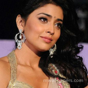 Shriya Saran HD Wallpapers (Desktop Background / Android / iPhone) (1080p, 4k)