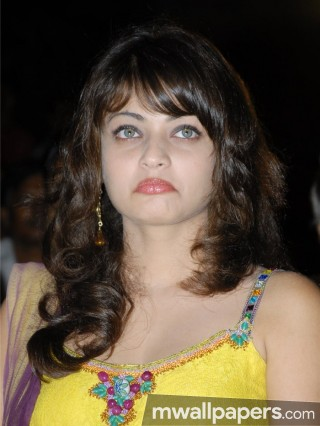 Sneha Ullal Hot HD Photos (1080p)