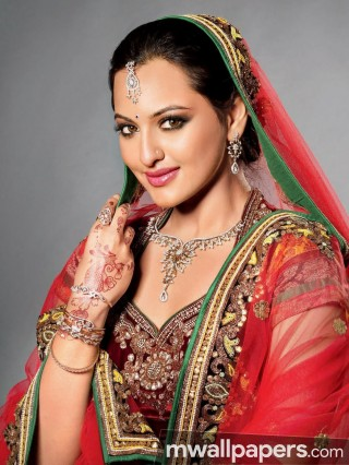 Sonakshi Sinha Hot HD Photos (1080p) - sonakshi sinha,actress,bollywood,hd wallpapers,hd images