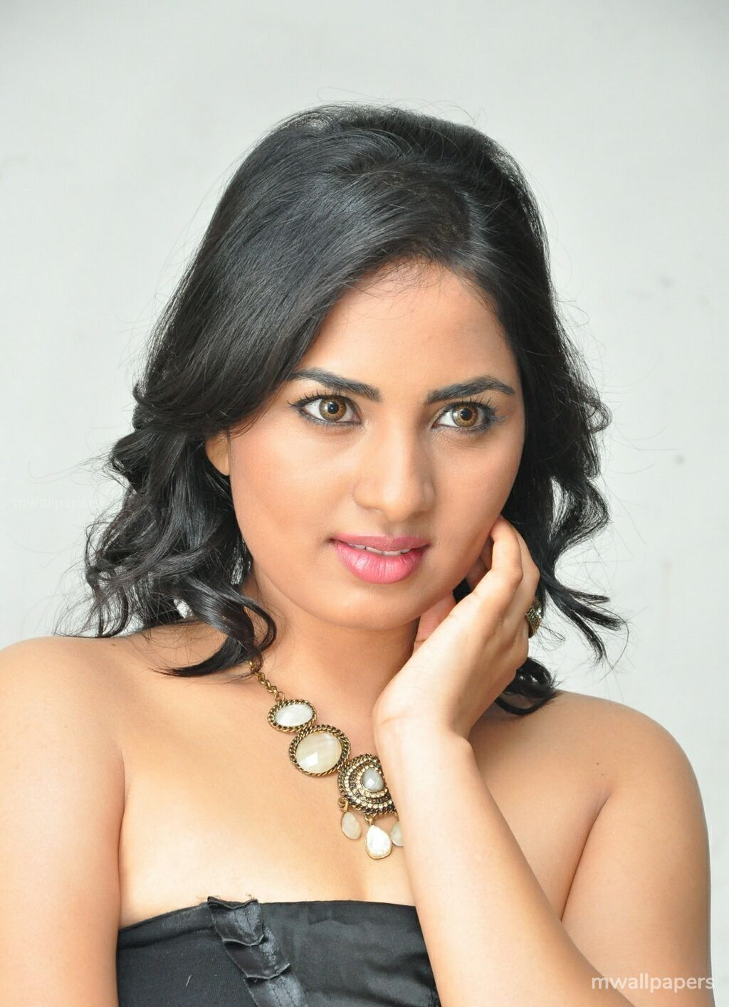 Srushti Dange Beautiful HD Photoshoot Stills (1080p) (31982) - Srushti Dange