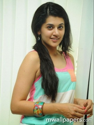 Taapsee Pannu HD Photos/Wallpapers (1080p)
