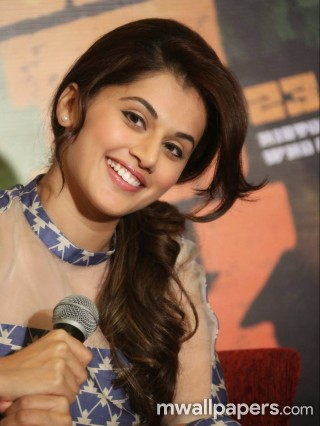 Taapsee Pannu Hot HD Photos (1080p)