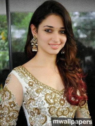 Tamanna Bhatia  Cute HD Photos (1080p)