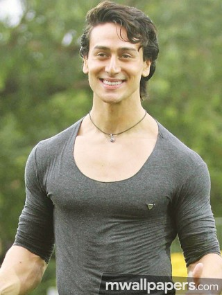 Tiger Shroff Best HD Photos (1080p)