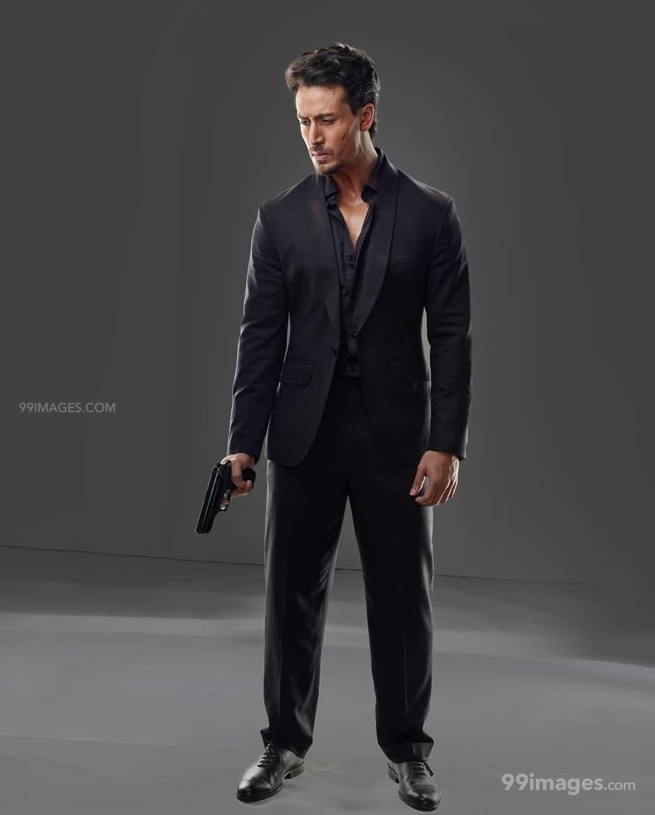 Tiger Shroff HD Wallpapers (Desktop Background / Android / iPhone) (1080p, 4k) (128242) - Tiger Shroff