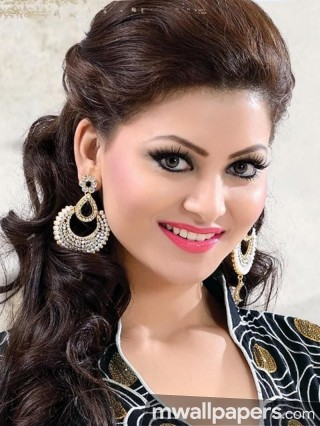 Urvashi Rautela Cute HD Photos (1080p) - urvashi rautela,actress,bollywood,hd photos