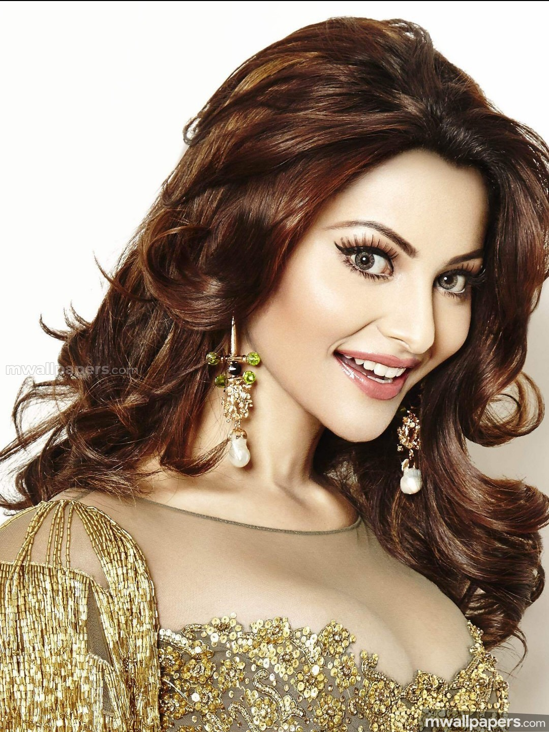 Urvashi Rautela Cute HD Photos (1080p) (30542) - Urvashi Rautela