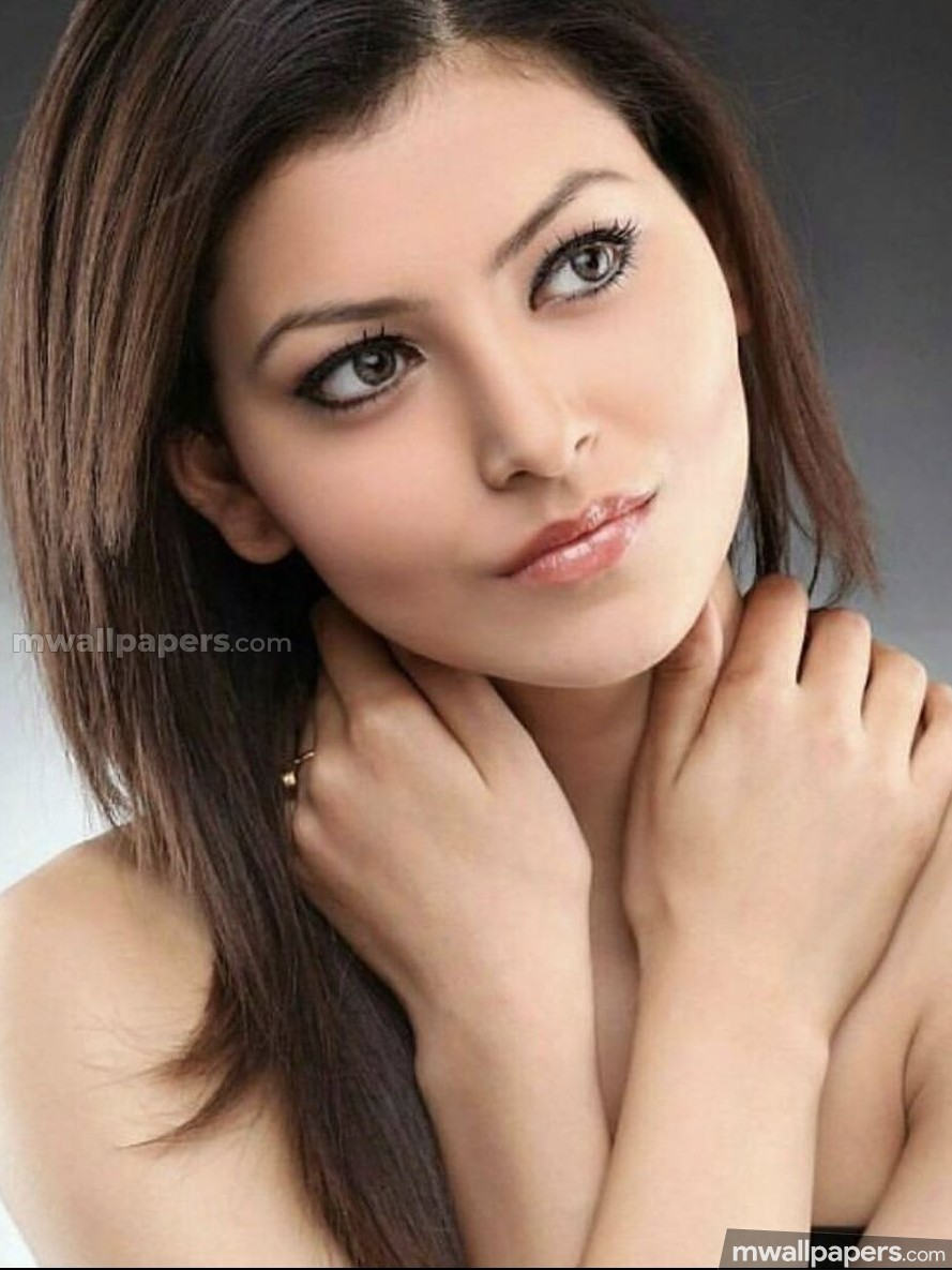Urvashi Rautela Cute HD Photos (1080p) (30597) - Urvashi Rautela