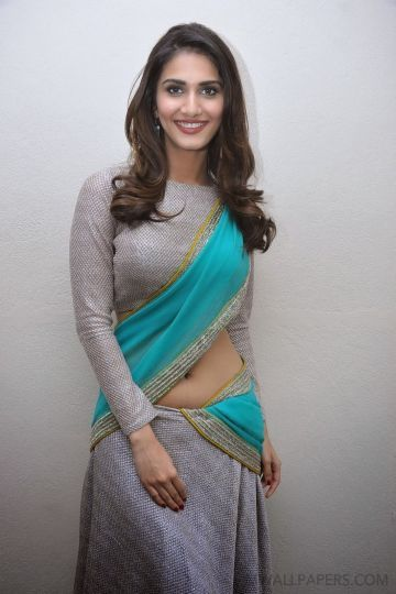 Vaani Kapoor Cute HD Photos (1080p)