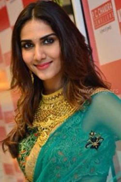 Vaani Kapoor Cute Hd Photos 1080p Androidiphoneipad Hd