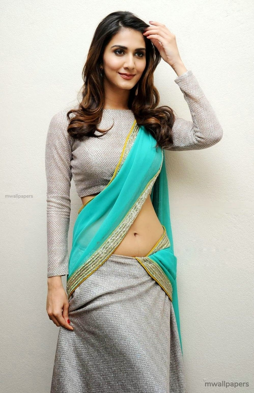 Vaani Kapoor Cute HD Photos (1080p) (30770) - Vaani Kapoor