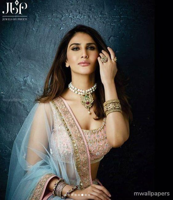 Vaani Kapoor Cute HD Photos (1080p) (30747) - Vaani Kapoor