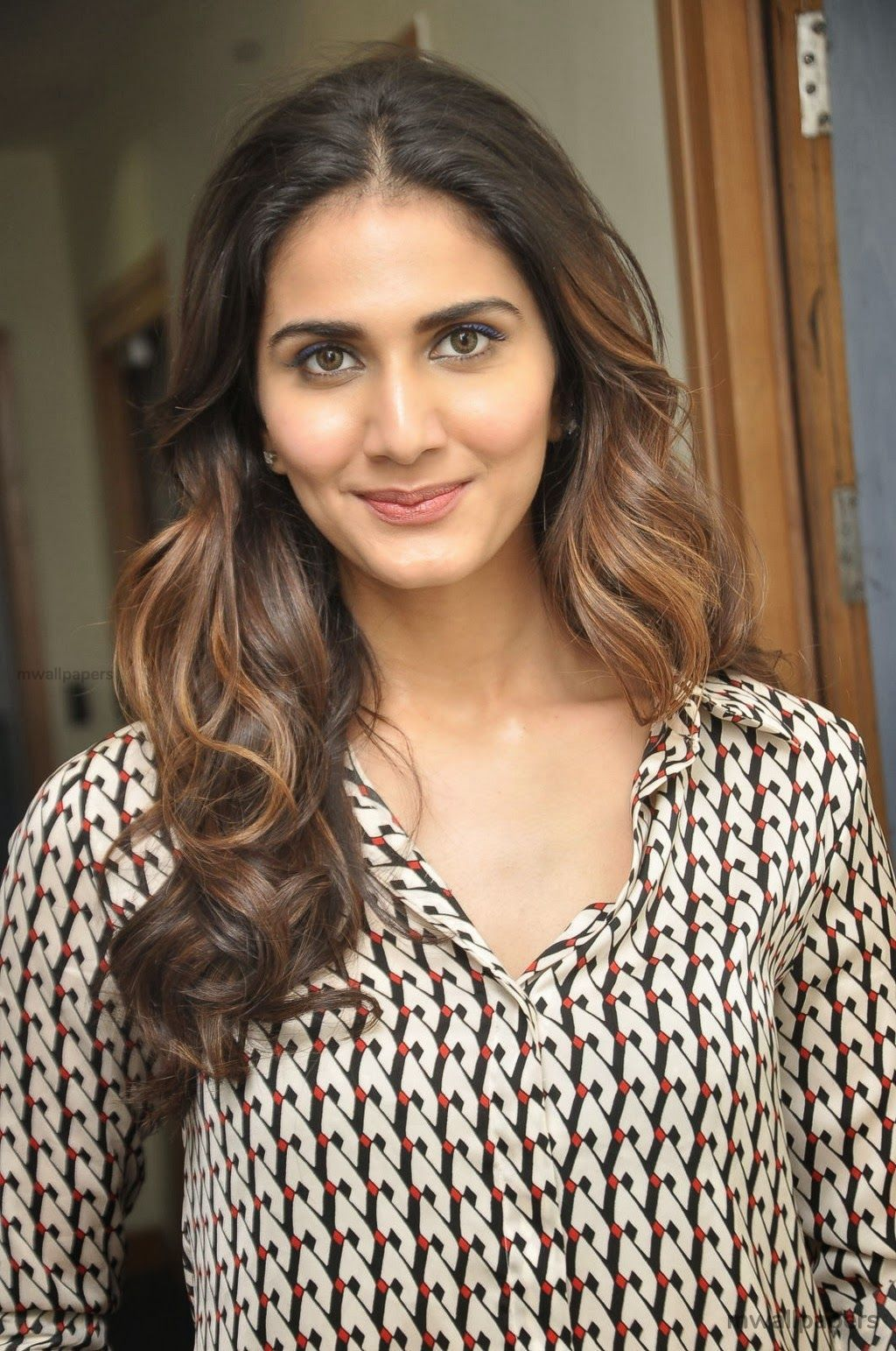 Vaani Kapoor Cute HD Photos (1080p) (30771) - Vaani Kapoor