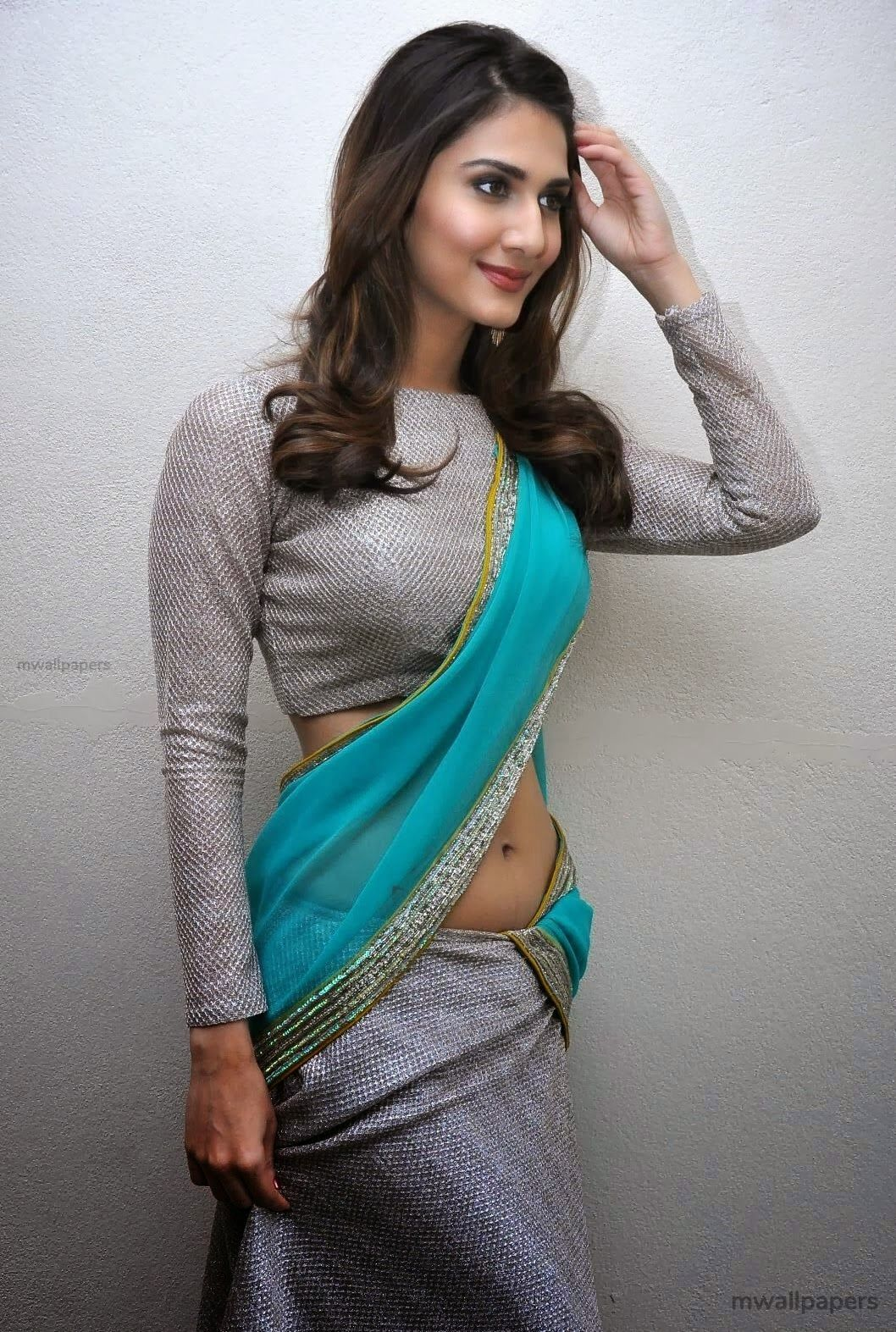 Vaani Kapoor Cute HD Photos (1080p) (30720) - Vaani Kapoor
