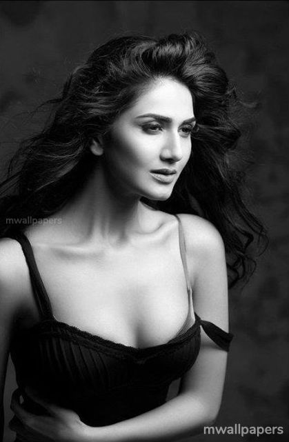 Vaani Kapoor Cute HD Photos (1080p) (30755) - Vaani Kapoor