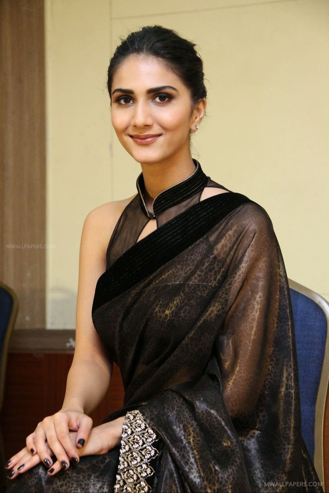 Vaani Kapoor Cute HD Photos (1080p) (30772) - Vaani Kapoor