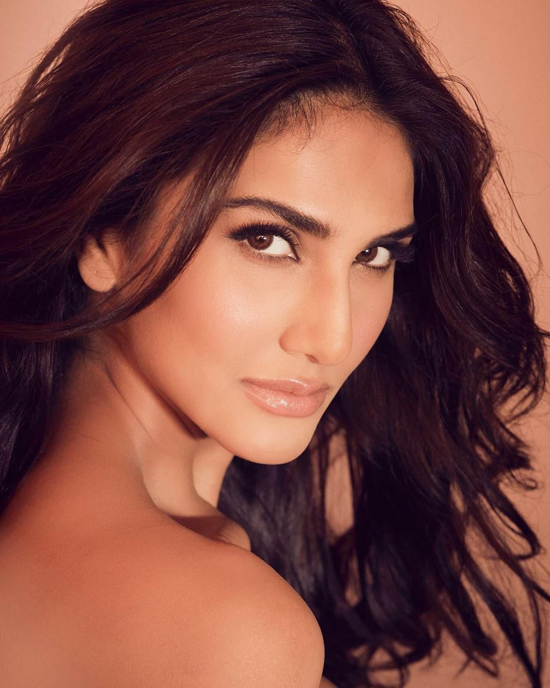 Vaani Kapoor HD Wallpapers (Desktop Background / Android / iPhone) (1080p, 4k) (102049) - Vaani Kapoor