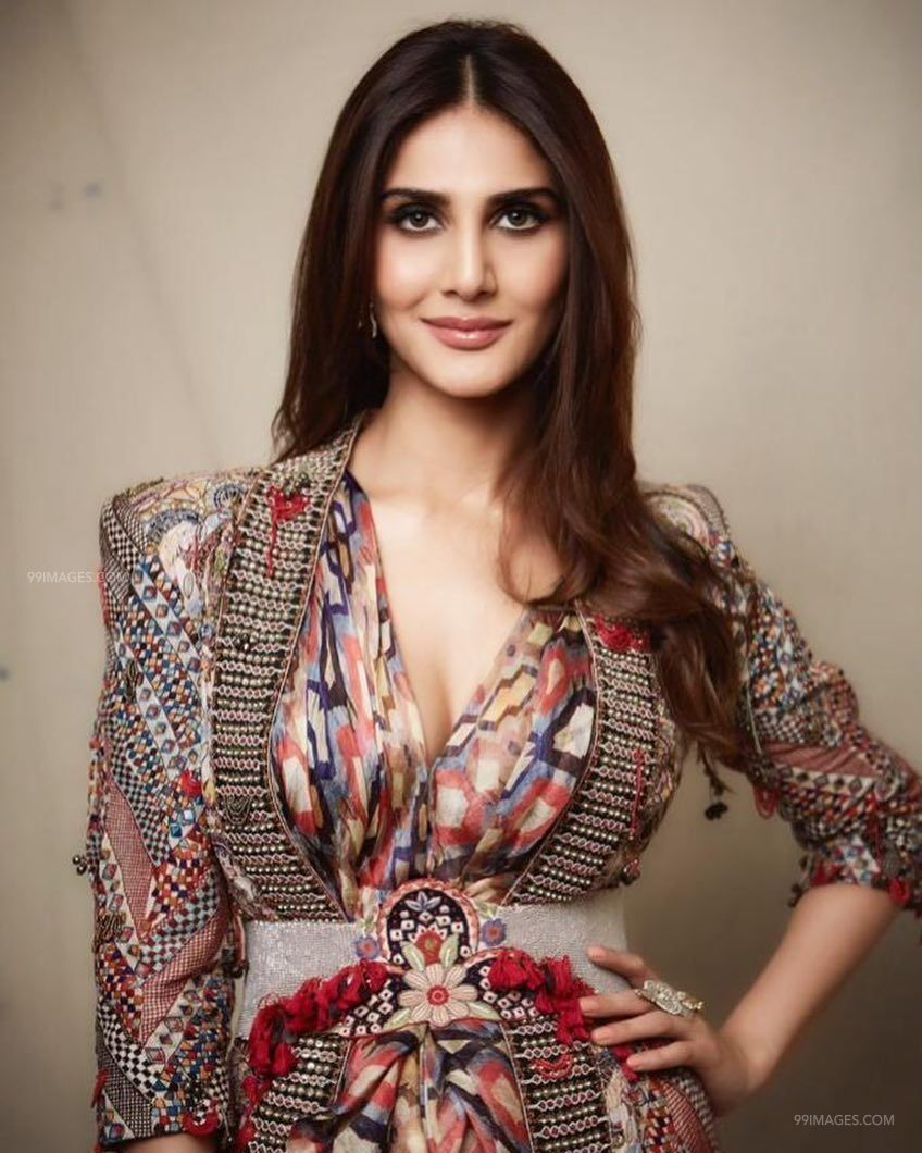 Vaani Kapoor HD Wallpapers (Desktop Background / Android / iPhone) (1080p, 4k) (101579) - Vaani Kapoor