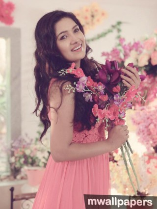 Vani Bhojan Beautiful Photoshoot HD Images (1080p)
