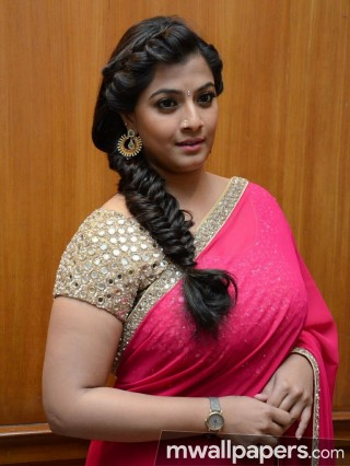 Varalaxmi Sarathkumar Beautiful HD Photoshoot Stills (1080p) - varalaxmi sarathkumar,actress,kollywood,hd wallpapers