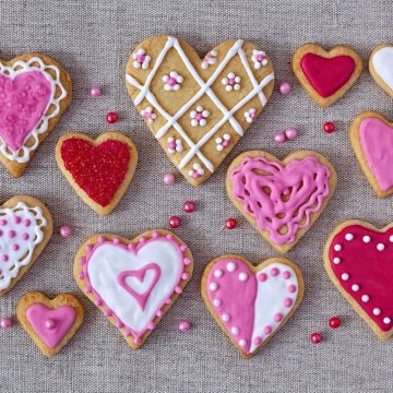 Pink Color Heart Shaped Cookies - Android / iPhone HD Wallpaper Background Download HD Wallpapers (Desktop Background / Android / iPhone) (1080p, 4k)