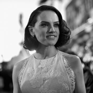 2018 Daisy Ridley Monochrome - Android / iPhone HD Wallpaper Background Download HD Wallpapers (Desktop Background / Android / iPhone) (1080p, 4k)