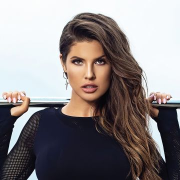 Amanda Cerny Guess 2019 - Android / iPhone HD Wallpaper Background Download HD Wallpapers (Desktop Background / Android / iPhone) (1080p, 4k)