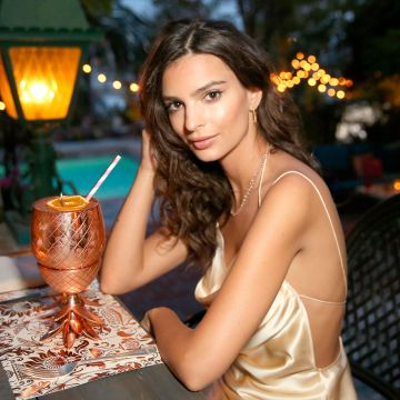 Emily Ratajkowski 2018 - Android / iPhone HD Wallpaper Background Download HD Wallpapers (Desktop Background / Android / iPhone) (1080p, 4k)