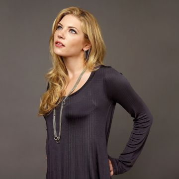 Katheryn Winnick 4K Wallpaper - Android / iPhone HD Wallpaper Background Download HD Wallpapers (Desktop Background / Android / iPhone) (1080p, 4k)