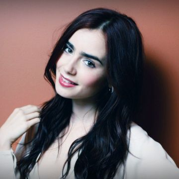 Lily Collins HD Wallpaper - Android / iPhone HD Wallpaper Background Download HD Wallpapers (Desktop Background / Android / iPhone) (1080p, 4k)