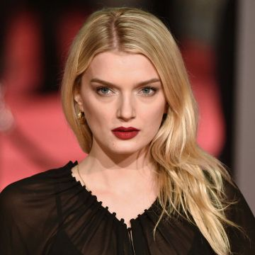 Lily Donaldson - Android, iPhone, Desktop HD Backgrounds / Wallpapers (1080p, 4k) HD Wallpapers (Desktop Background / Android / iPhone) (1080p, 4k)