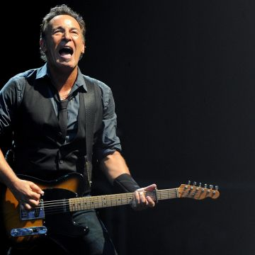 Springsteen - Android, iPhone, Desktop HD Backgrounds / Wallpapers (1080p, 4k) HD Wallpapers (Desktop Background / Android / iPhone) (1080p, 4k)