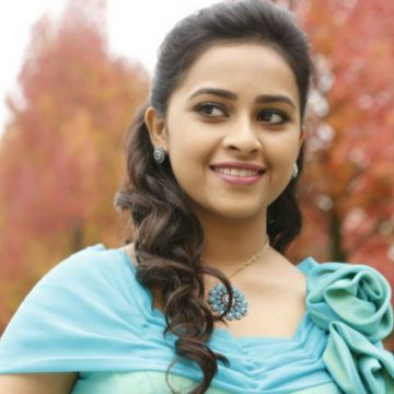 Sri Divya - Android, iPhone, Desktop HD Backgrounds / Wallpapers (1080p, 4k) HD Wallpapers (Desktop Background / Android / iPhone) (1080p, 4k)