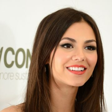 Victoria Justice Actress - Android / iPhone HD Wallpaper Background Download HD Wallpapers (Desktop Background / Android / iPhone) (1080p, 4k)