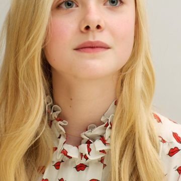 wallpaper: Wallpaper Elle Fanning - Android / iPhone HD Wallpaper Background Download HD Wallpapers (Desktop Background / Android / iPhone) (1080p, 4k)
